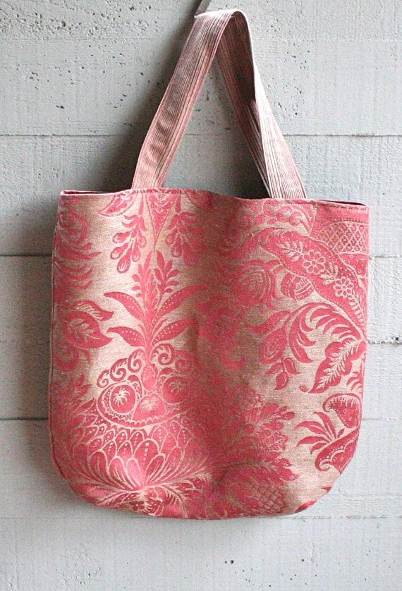 aBimBeri's tote bag, handmade from antique brocade fabric.