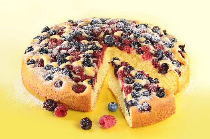 Ciasto z owocami letnimi. Kliknij w zdjęcie, aby poznać przepis. #ciasta #ciasto #desery #wypieki #cakes #cake #pastries