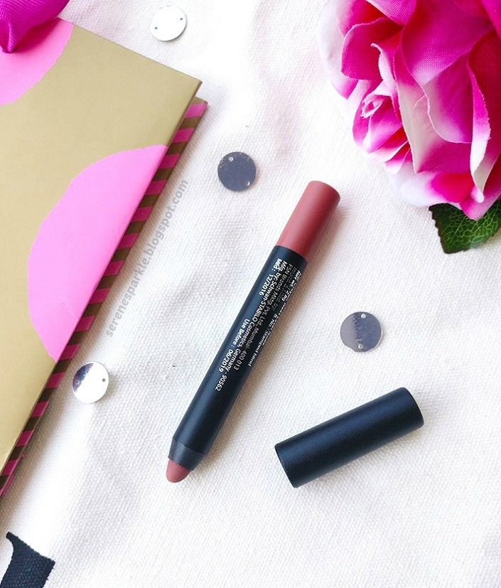 Nykaa Mattelicious Lip Crayon (Next Level Nude) Review, Swatches, LOTD |Serene Sparkle. It's a beautiful neutral pink shade for summers. The matte crayon formula doesn't dry out lips, it's long lasting and paraben free !