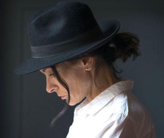 Vintage women's fedora hat  black felt fedora for lady  by 4Rooms