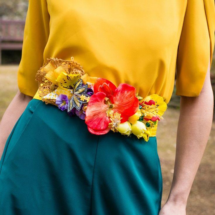 cinturon amarillo de flores para bodas y eventos