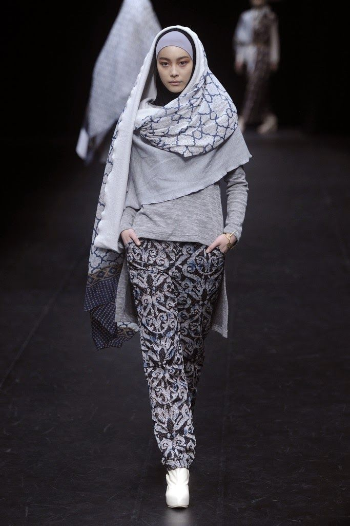 NurZahra RTW Fall 2014 collection at Tokyo Fashion Week - http://bit.ly/1dCcsAj