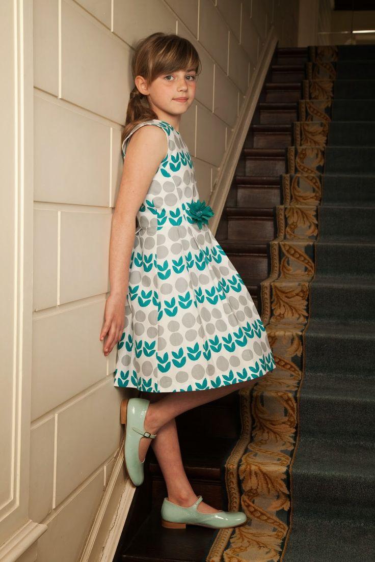 Naai je graag kleedjes voor meisjes dan is het boek zelfgemaakte kleertjes een must. Fotos...