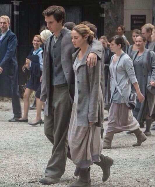 Divergent still - Tris and Caleb: Divergent Series, Caleb, Sibling, Brave Divergent, Movie, Divergent Trilogy, Fandom