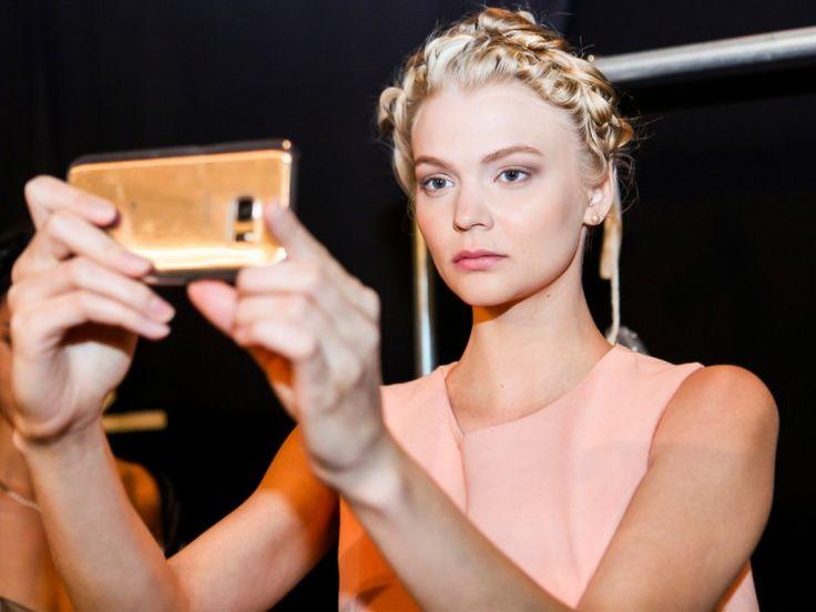 http://polki.pl/moda-i-urod Który makijaż Wy wybierzecie na wiosnę?:)  /twarz-i-makijaz,modny- makijaz-wiosna-2017-przeglad-8-propozycji-najmodniejszych-make-upow-na-sezon,10420293,artykul.html
