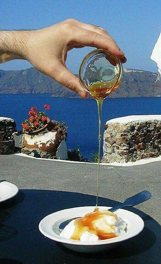 Greek breakfast, yogurt and honey!!