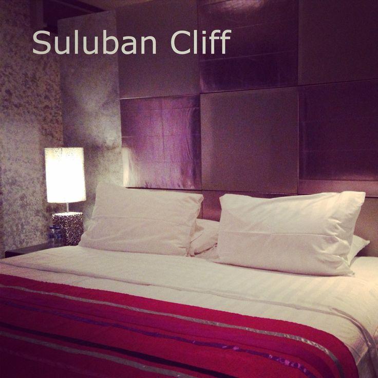 Suluban Cliff Bali Villa bedroom suite. Info@sulubancliffbali.com
