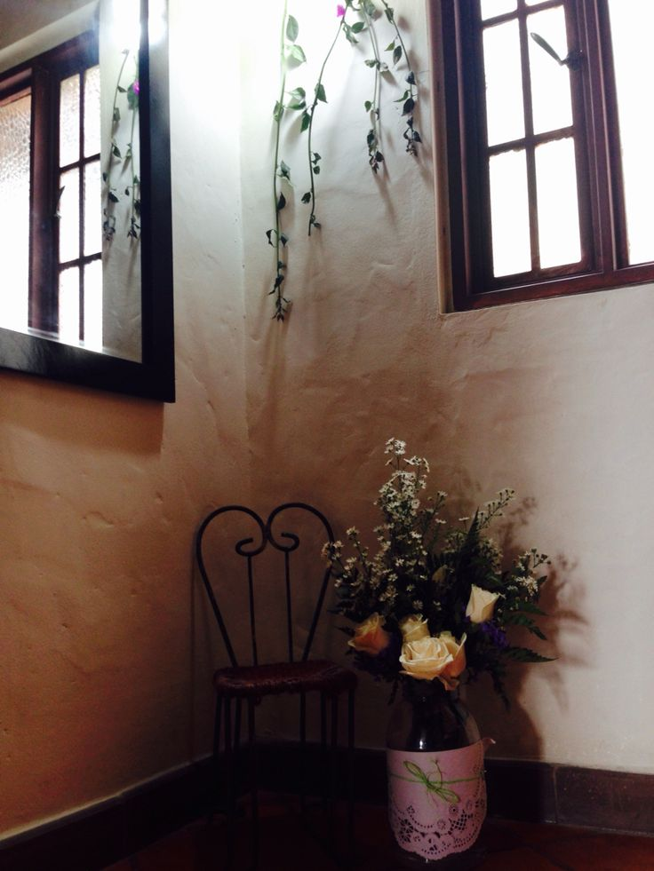 """Decoración vintage  para habitación """"La Forêt"""" por Camila Palacios para MonteMadero Casa Hotel, Cota, Cundinamarca."""