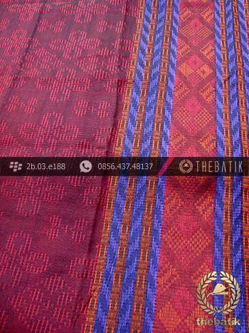 Kain Tenun Songket Warna Merah Marun | Maroon Ikat http://thebatik.co.id/kain-batik-bahan/