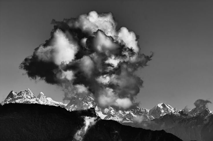 Snaowcapped mountain peaks of Himalayas, Kanchenjunga - Snaowcapped mountain peaks of Himalayas, Kanchenjunga with copy space