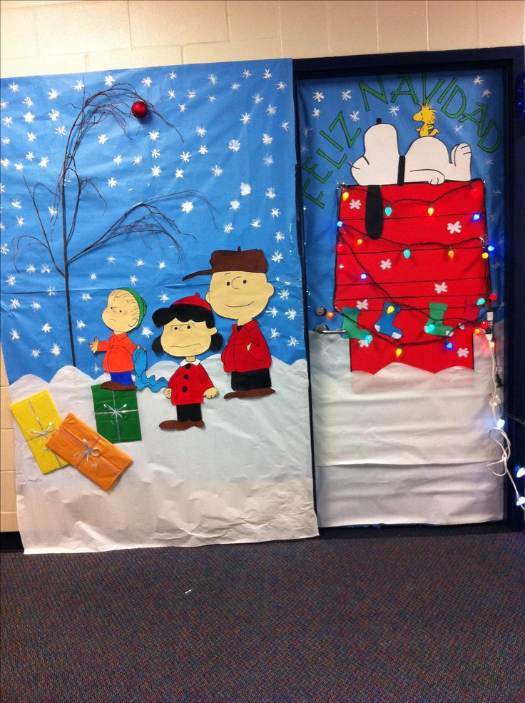 Classroom Holiday Decor : Christmas classroom door do xmas lights patterning on