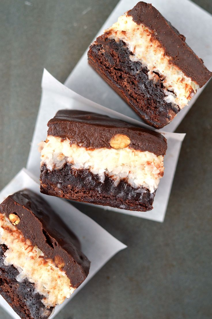 Almond Joy brownies are unreal!  Rich chocolate brownies with a coconut and almond filling, covered with chocolate ganache.