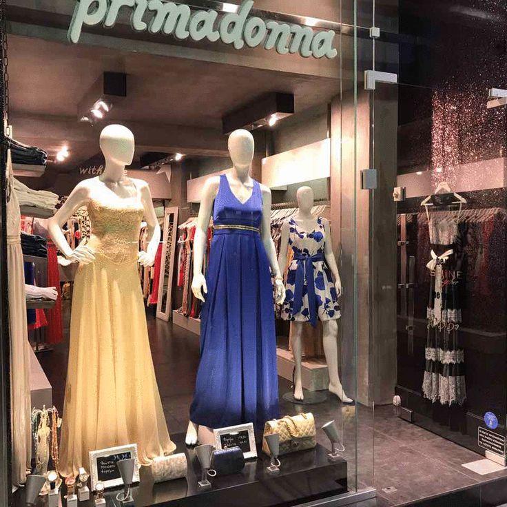 Βιτρίνες με γυναικεία ρούχα στην Πάτρα για άνοιξη-καλοκαίρι 2017