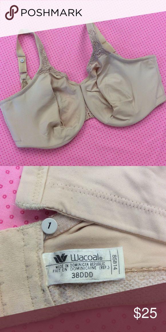Wacoal ultrasuede bra 38 DDD Wacoal bodysuede ultra full figure seamless underwire bra and sand color size 38DDD Wacoal Intimates & Sleepwear Bras