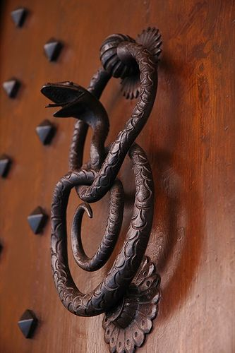Door Knocker - Bologna, Italy | © Uncornered  Market