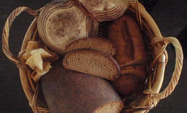 Pane fatto in casa: prepara così il pane di segale, ottimo per abbassare il colesterolo