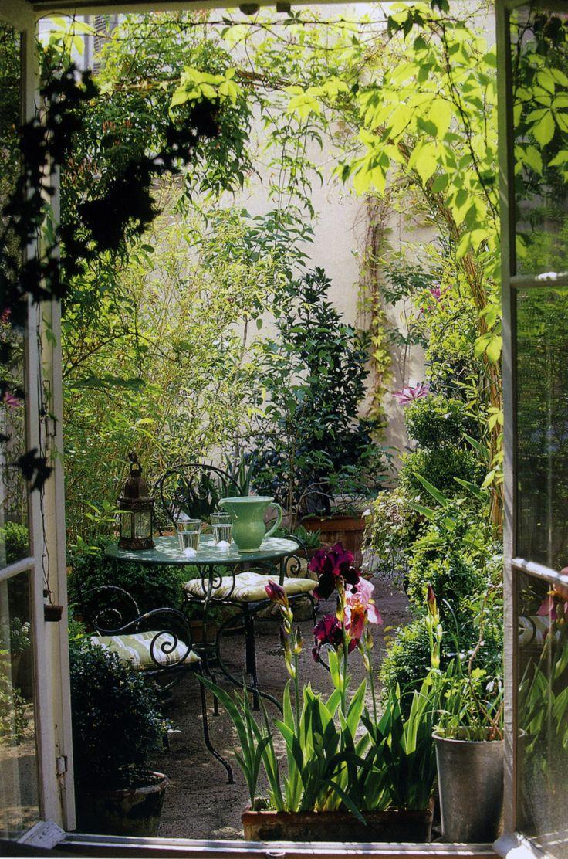 Un petit jardin intimiste.
