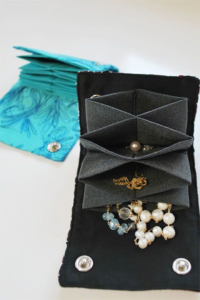 Great jewelry travel bag!! #DIY #sewing