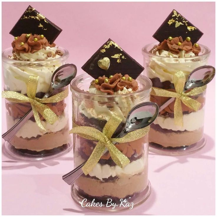 Layers of Nutella mousse, chocolate cake,chocolate mousse, fresh cream, gold leaf & a Lindt chocolate Cakes.By.Kaz