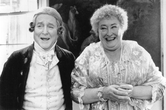 Robert Hardy (Sir John Middleton) & Elizabeth Spriggs (Mrs. Jennings) - Sense and Sensibility (1995) #janeausten #anglee