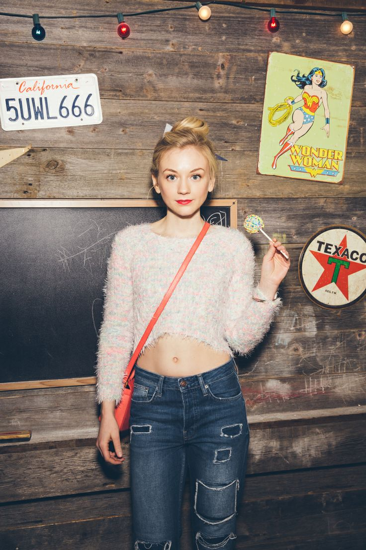 download now emily kinney - photo #3