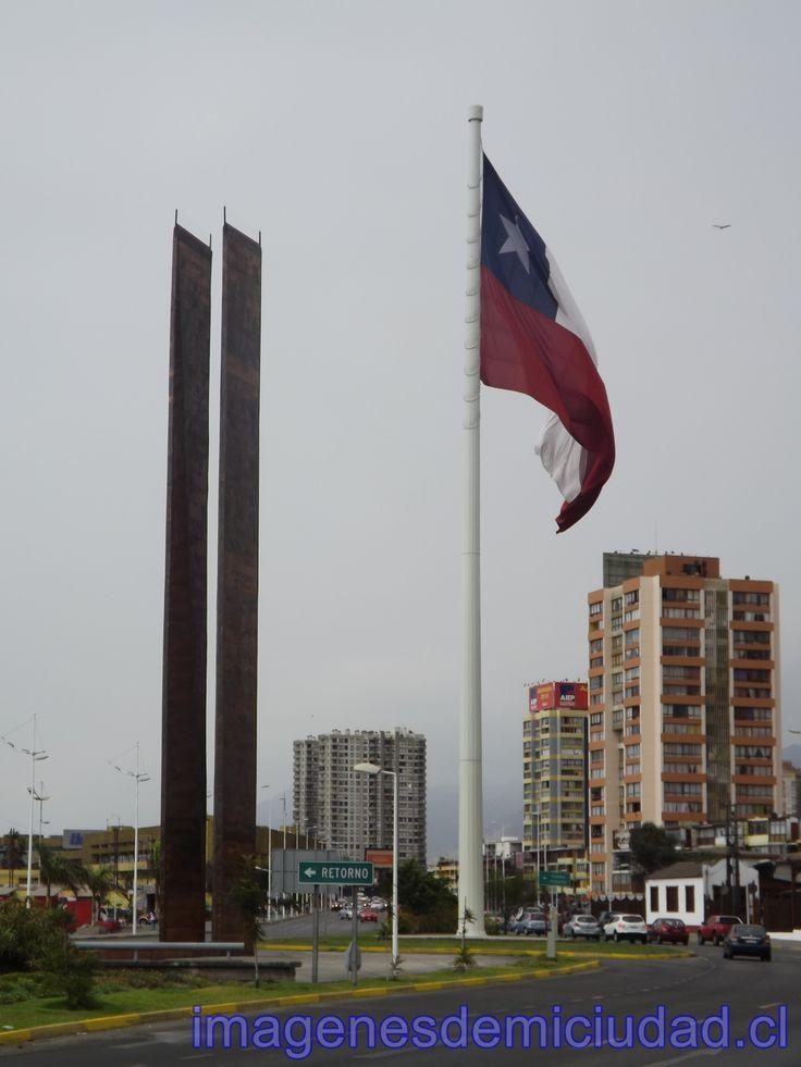 Bandera Bicentenario e Hilo de agua Antofagasta