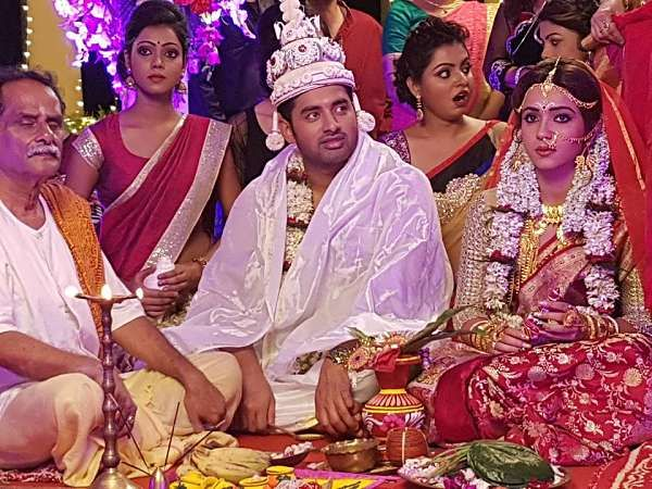 Ankush Married ! Yes Ankush and Koushani couple married shoot for their upcoming 'Untitled' movie. At First time Ankush and Koushani works together.
