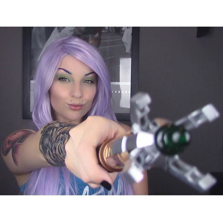 Hehe @drexlash having some fun  Wearing Lilac Sky  #lushwigslilacsky #wig #sciencefictionbabe