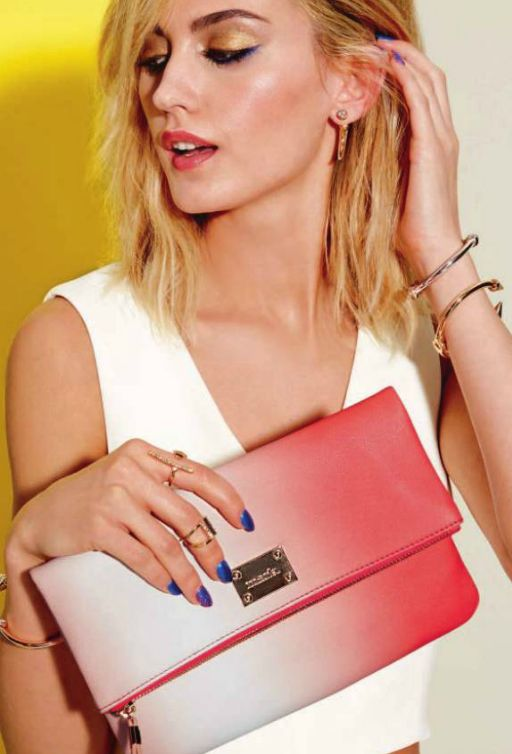 mark. Fade to Fab Clutch It's ombré-lievable how versatile this clutch is - daytime or nighttime, the gorgeous wash of coral pops for a stunning style statement. Product Number  1060344 To Order Contact: 1Kristaavon@gmail.com