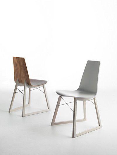Scaunul Ray II se distinge prin designul modern si materialele de inalta calitate. Descopera mai mult pe https://goo.gl/SYjiKY #SomProduct #design #home #arhitecture #chair #inspiration