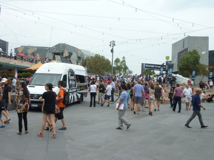 ROUND THE WAY FOOD TRUCK SERVING AT THE ESPN SUPERBOWL GAMEDAY PARTY - FEDERATION SQUARE MELBOURNE #ROUNDTHEWAY #FOODTRUCK #BAGELS #BAGELBURGER #FED SQUARE #MELBOURNE