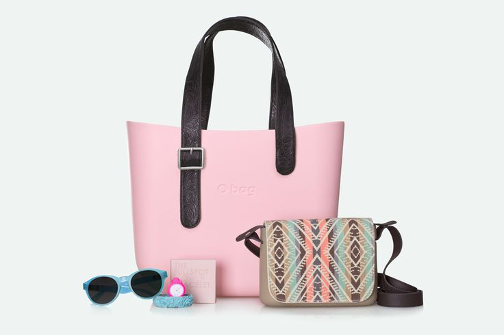 O bag mini cipria with flat handles with clasp. O poket with new messico shoulder strap. Sunglasses, flower bracelet and O click