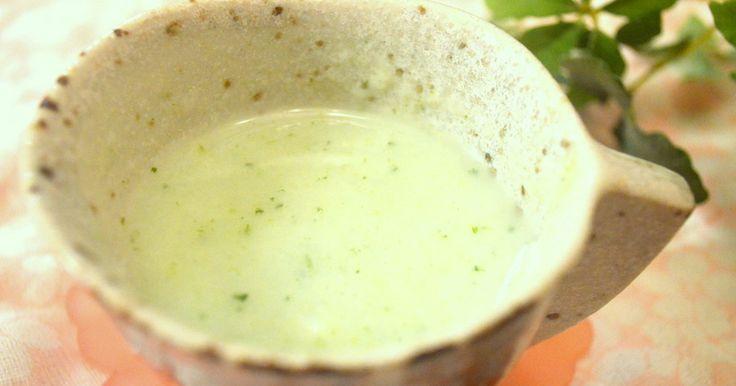 ブロッコリーはゆでたものを冷凍してすりおろして使うと調理がしやすくおすすめです。