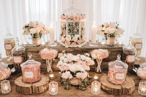 A candy bar is a great idea for any wedding because every guest can choose sweet…  – Wedding stuff !