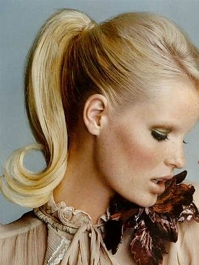Love this sleek pony with the perfect kicky curl at the end!