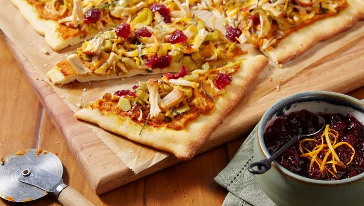 Thanksgiving Pizza: What to do with thanksgiving leftovers