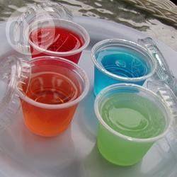 Foto de la receta: Shots de gelatina de fruta y vodka