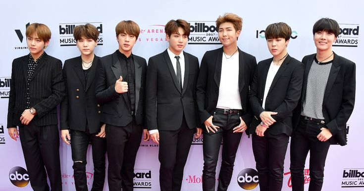 BTS, the popular seven-member South Korean boy band, made their U.S.performance debut at the 2017 American Music Awards