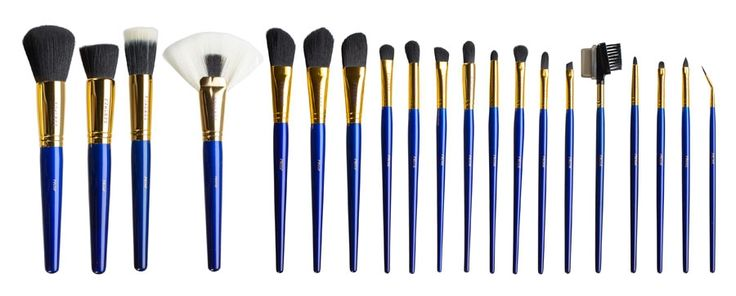 PROFESSIONAL MAKEUP BRUSH SET. This elegant professional makeup brush set was designed specifically for pro makeup artists. Our Furless must have pro set has all the brushes you need for any job, and contains 20 of the highest quality reliable brushes enabling you to perform, and deliver. If you are a makeup student, this set will take you from the classroom, to on-set seamlessly.