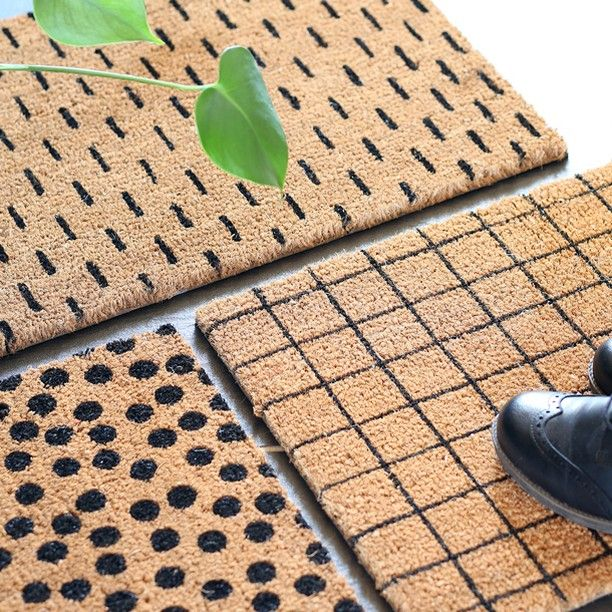An elegant doormat to welcome your guests upon arrival. In stores now price DKK 6800 / SEK 9300 / NOK 9600 / EUR 953 / ISK 1939 / GBP 7.66  40x60cm three designs.  #doormat #outdoor #welcome #inspiration #sostrenegrene #søstrenegrene #grenehome