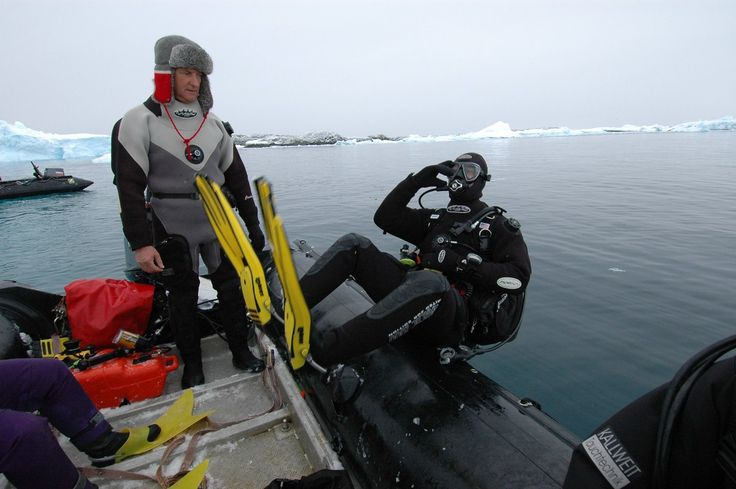 Zodiac dive, Svalbard © Oceanwide Expeditions www.oceanwide-expeditions.com