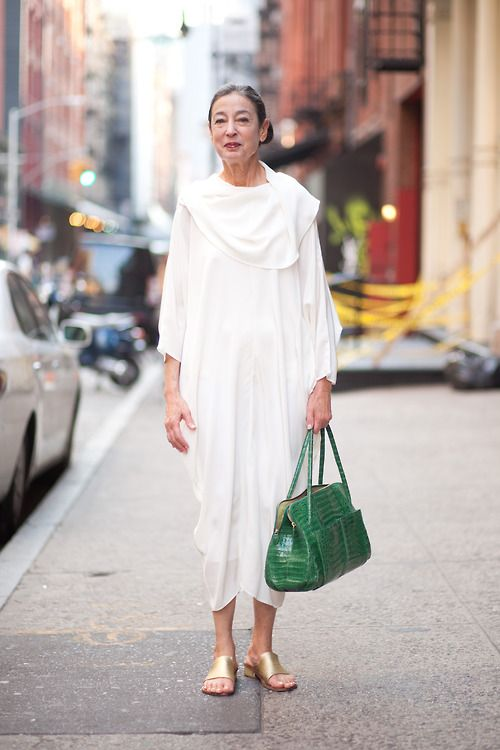 michele oka doner... An all white look with a little bit of colour is always elegant and fashionable!