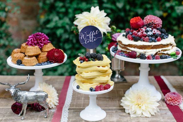Waffle cake and naked cake with berries | Julia Winkler Photography | see more on: http://burnettsboards.com/2014/11/berry-autumn-wedding-inspiration/