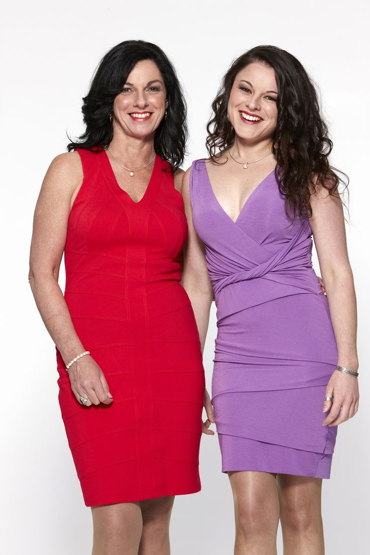 It's mother and daughter Lisa and Candice's turn in the kitchen tonight on My Kitchen Rules! This performing duo have big plans to wow their guests, but will it be their singing and dancing, or the food, that impresses their guests the most? Tune in at 9pm ET to find out.