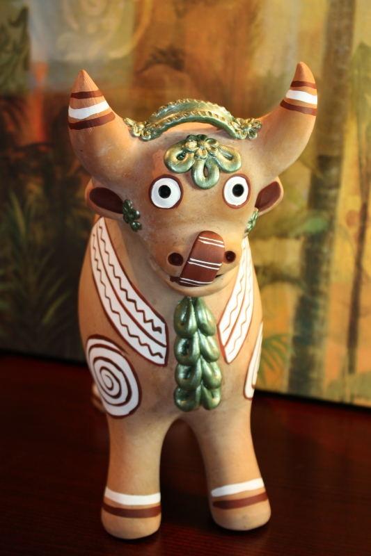 Peruvian Terracota Pucara Bull Regular