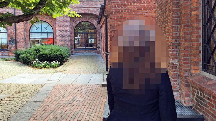 Denne beskjeden fikk kvinnen i 20-årene fra en i sin nærmeste familie. Hun hadde vanæret dem, fordi hun hadde vært sammen med en ikke-muslimsk gutt. I fortvilelsen vurderte hun å operere inn «ny» jomfruhinne.