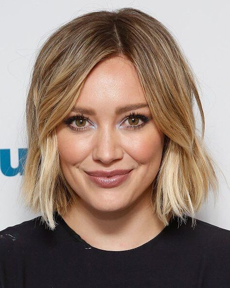 Love the pop of color on Hilary Duff. Use Evercolor Shadow Stick in Sunlight on the inside of eyes for a bright glow!