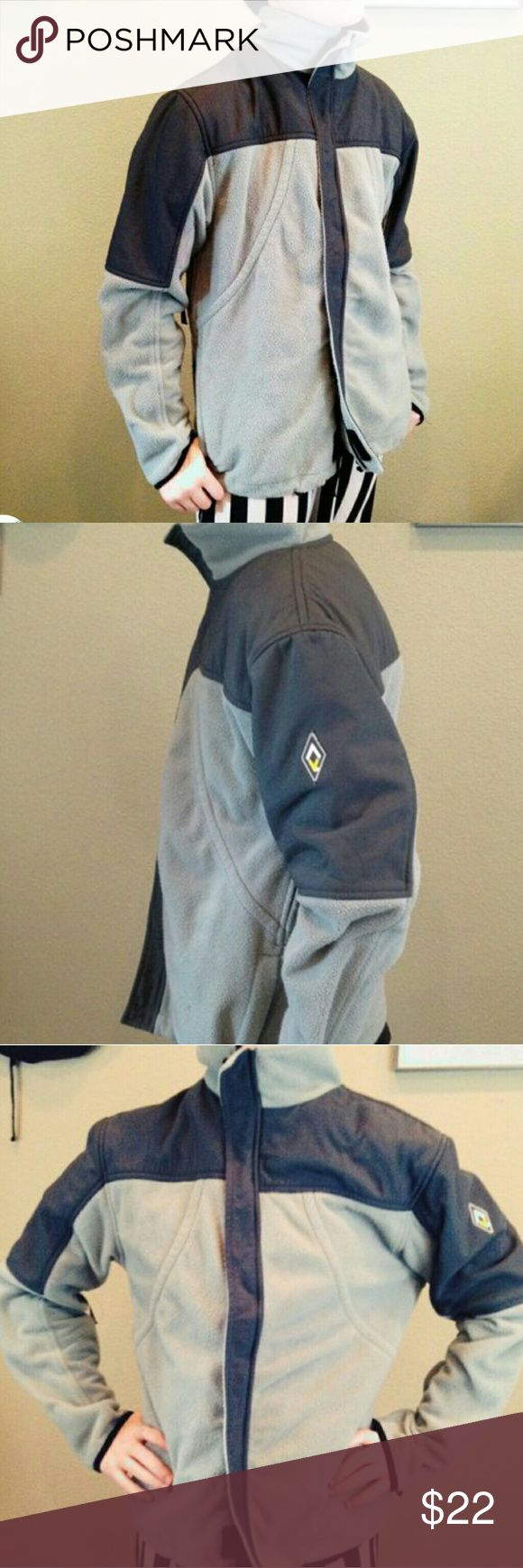 Burton fleece ski jacket It's still cold as heck This Burton ski coat is prime! Fleece and waterproof outer with zipper front and pockets Fits a size Small or Medium Excellent condition   Pair with any cold weather looks to stay warm & cozy Perfect for an outdoor girl Burton Jackets & Coats