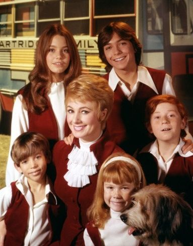 Susan Dey, David Cassidy, Jeremy Gelbwaks, Shirley Jones, Danny Bonaduce, and Suzanne Crough (aka the Partridge Family)