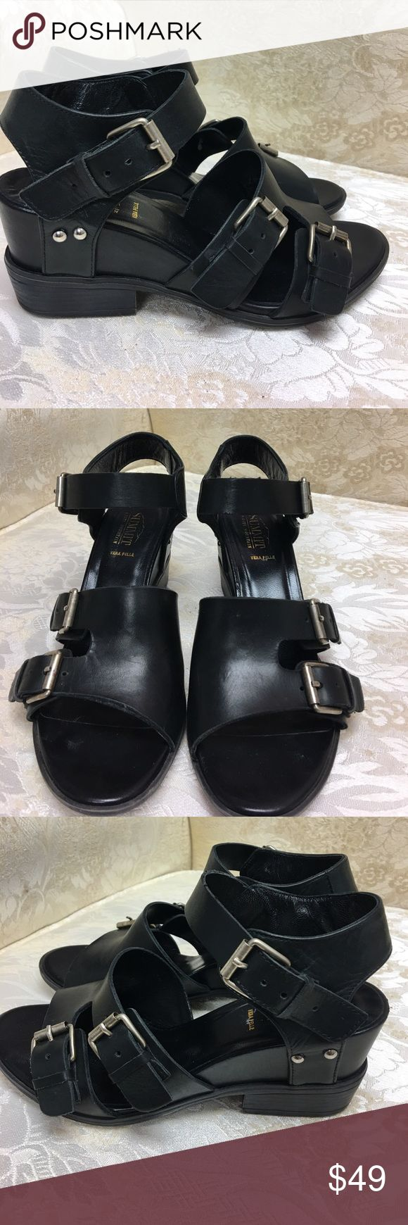 "White Mountain ""Summit"" Black Sandals Size 7 White mountain premier line like new. Great detail Summit by White Mountain Shoes Sandals"